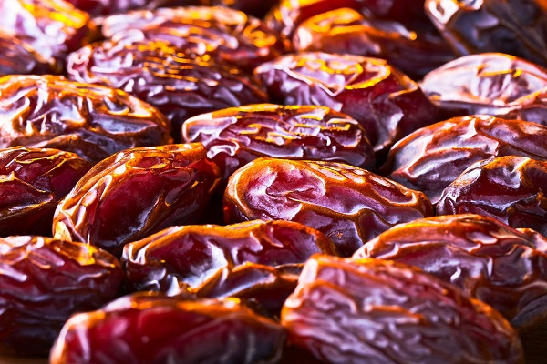 dates-light-1.jpg
